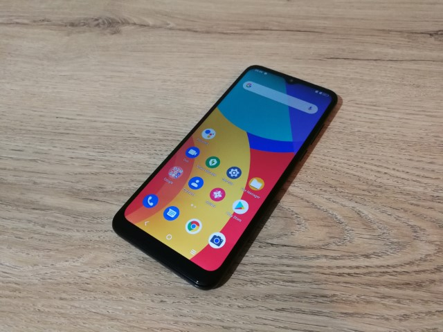 unboxing-hands-on-alcatel-1s-2021