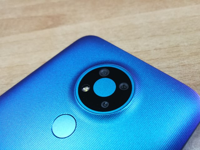 unboxing-hands-on-nokia-3.4