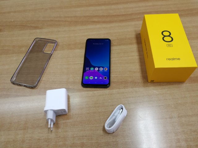 unboxing-hands-on-realme-8-5g